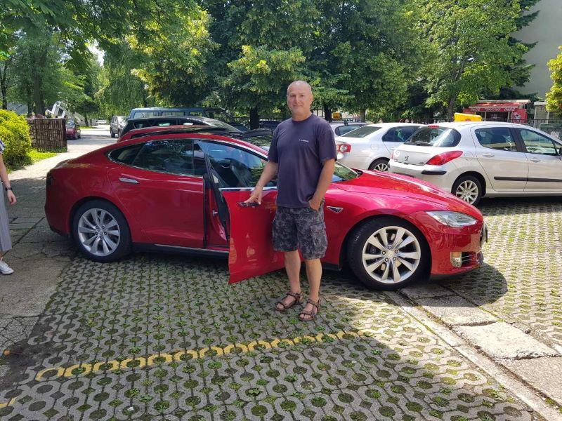 Tesla-automobil